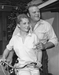 Dan Blocker and wife, Dolphia Parker.sadly, Blocker was lost so young, leaving Parker a widow to raise their children. Hollywood Couples, Celebrity Couples, Hollywood Stars, Classic Hollywood, Celebrity Weddings, Old Hollywood, Bonanza Tv Show, Photo Vintage, Tv Westerns