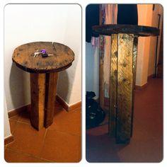 Tavolino di legno svuota tasche & quant'altro.. Interamente fatto a mano!