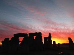 Stonehenge, United Kingdom | 23 Insanely Gorgeous Sunsets You Need To See In Your Lifetime