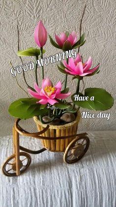 Giant Flowers, Diy Flowers, Flower Decorations, Colorful Flowers, Nylon Flowers, Cloth Flowers, Fabric Flowers, Sugar Flowers, Paper Flowers Craft