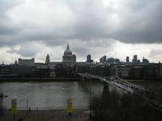 Vu de la cathédrale St Paul depuis le Tate Modern.