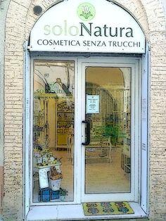 Cosmetica naturale certificata, laboratorio artigianale. Detergenza viso corpo, prodotti ipoallergenici