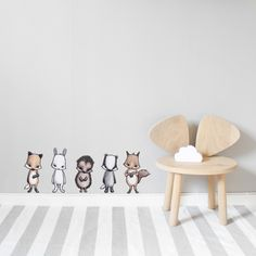 The Forest friends are moveable art for painted walls, painted wallpaper and thicker wallpaper walls. Our wallstickers have the best quality. Sustainable and