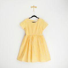 "Klänning ""Gingham yellow"" – From Audrey with love - Vintagefabriken Short Sleeve Dresses, Dresses With Sleeves, Gingham, Summer Dresses, Yellow, Vintage, Style, Fashion, Swag"