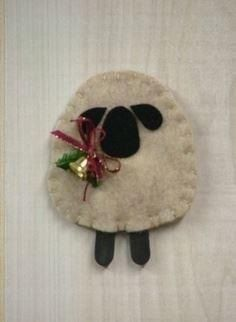 ♥ O Christmas Tree II: Woolly Lamb Ornament. SKU: O Measures 3 high. By Countryside Patterns. Felt Christmas Decorations, Felt Christmas Ornaments, Noel Christmas, Primitive Christmas, Homemade Christmas, Cowboy Christmas, Father Christmas, Country Christmas, Christmas Projects