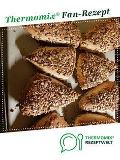 Dinkel-Vollkorn Brötchen Spelled Wholemeal Rolls from A Thermomix ® recipe from the category Bread & Rolls on www.de, the Thermomix® Community. French Desserts, Easy Desserts, Breakfast Recipes, Snack Recipes, Dessert Recipes, Cheap Meals, Easy Meals, Filipino Desserts, Bread Bun