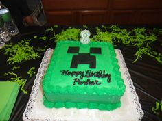 Creeper cake - Perfect. I'm going to try and duplicate this.