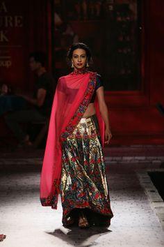 Wedding Show Archives Fashion Beauty, Fashion Looks, Vogue Wedding, Lengha Choli, Vogue India, Wedding Show, Indian Couture, Couture Week, Beautiful Saree
