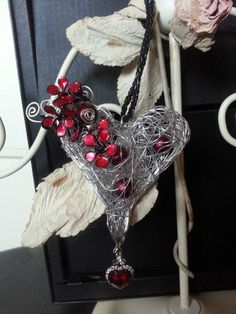 *Vampirlove* big wire work heart with red nailpolish flowers on an band of leather  my own work made with love