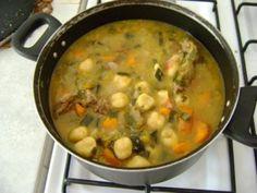 Bori Bori - a cornmeal dumpling soup from Paraguay Latin American Food, Latin Food, Comida Latina, Puerto Rican Dishes, Puerto Rican Recipes, Paraguayan Recipe, Paraguay Food, Dumplings For Soup, Mexico Food