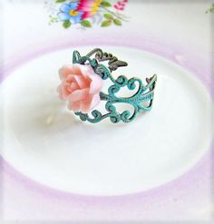 rose ring (Jewlsalem - etsy)