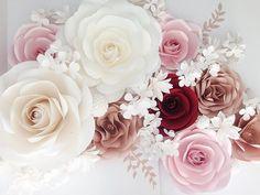 #paperflowers #moniquepaperart #mallorca #windowdisplay #eventdecor #weddinginspiration #weddingplanner #weddingideas #weddingdecor #weddingflowers #wedding #bride #bridalshower #bridalinspiration #backdrop #flowerwall #windowdisplay #eventdecor #partydecor #photobooth #photoprops #elegant #luxury #etsy