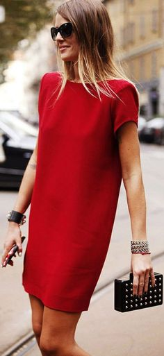 NYC STREET STYLE FASHION AND GLAMOUR -  sexy brunette lady in red walking down the street in manhattan - take breath away beaury - #thejewelryhut