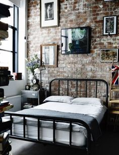 Eles podem reduzir o custo da reforma, trazer um ar industrial ao apartamento, ou deixar os ambientes com um estilo naked
