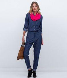 Macacão feminino  Modelo longo  Manga longa  Marca: Blue Steel  Tecido: jeans  Composição: 67% viscose; 33% algodão  Modelo veste tamanho: P       Medidas da Modelo:     Altura: 1,75  Busto: 81  Cintura: 64  Quadril: 91       COLEÇÃO INVERNO 2016     Veja outras opções de    macacões femininos.
