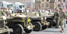 Historická vozidla dorazí na náměstí