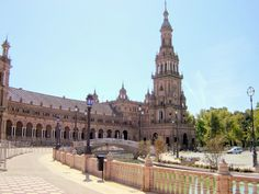 Seville - Plaza de España  http://bobbovington.blogspot.com.es/2014/07/seville-romantic-capital-of-spain.html