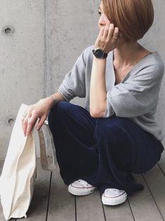 コーデュロイのネイビーかなり好き♡ Instagram mana.801