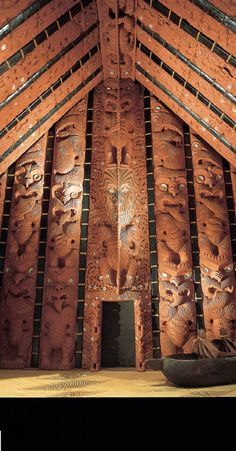 Maori meeting house at Auckland Museam Auckland, Maori People, Maori Designs, Nz Art, Memorial Museum, Maori Art, Kiwiana, The Beautiful Country, Cook Islands