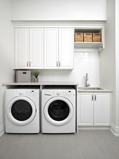 Small laundry room design ideas will certainly assist you to take pleasure in the location around your washer and also clothes dryer. Locate the best ideas for 2018 as well as transform your laundry room design Modern Laundry Rooms, Farmhouse Laundry Room, Laundry In Bathroom, Basement Laundry, Laundry Closet, Laundry Area, Garage Laundry, Small Bathroom, Laundry Room Utility Sink