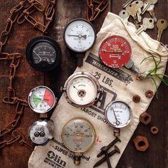 ・ 20.Apr.2016 ・ Old gauges... ・ 古い計器... こういう古いメーター類も 大好きです... ・ #gauges #oldgauges