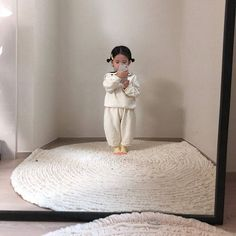"""""""completely obsessed with this baby's mirror pics"""" Cute Little Baby, Cute Baby Girl, Little Babies, Baby Kids, Cute Asian Babies, Korean Babies, Cute Babies, Cute Outfits For Kids, Cute Kids"""