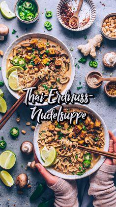 Vegan Noodle Soup, Ramen Noodle Soup, Tofu Ramen, Spicy Ramen Noodles, Thai Noodle Soups, Tofu Noodles, Noodle Salad, Greek Recipes, Asian Recipes