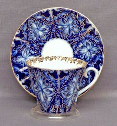 Lomonosov Russian Porcelain Black Grouses Teacup and Saucer- I collect tea cups and these are gorgeous! Café Chocolate, Russian Tea, White Russian, Porcelain Black, Teapots And Cups, China Tea Cups, My Cup Of Tea, Tea Service, Tea Cup Saucer