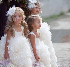 Happy #WeddingWednesday & Smile  Love These Feather Flapper Flower Girls  #wedding #realweddings #Flowergirls