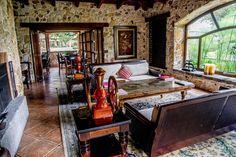 Un Hotel en medio de la naturaleza con muchos detalles que te encantarán  RESERVA TU HABITACION 77280800  finca filadelfia,  antigua GuATEMALA.