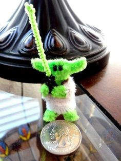 so cute, pipe cleaner yoda! Hat Crafts, Diy And Crafts, Crafts For Kids, Arts And Crafts, Paper Crafts, Pipe Cleaner Art, Pipe Cleaner Animals, Pipe Cleaners, Star Wars Crafts
