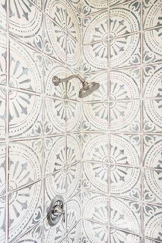 Bathroom Tile Ideas #tile #Bathrooms #decor #design Diy Bathroom, Bathroom Tile Designs, Bathroom Floor Tiles, Bathroom Interior Design, Master Bathroom, Tile Bathrooms, Bathrooms Decor, Shower Designs, Bathroom Ideas