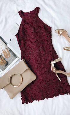 Halter deep burgundy dress with gold sandals. Add earrings and / or a . - Halter deep burgundy dress with gold sandals. Add earrings and / or a clip … - Glam Dresses, Stylish Dresses, Pretty Dresses, Short Dresses, Fitted Dresses, Formal Dresses, Lace Burgundy Dress, Lace Dress, Deep Burgundy