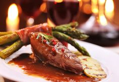 accord gibier vin rouge Steak, Tasty Food Recipes, Cooking Recipes, Game, Red Wine, Deer, Meat, Woodwind Instrument, Steaks