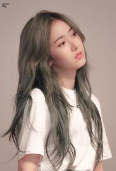 Sinb Gfriend, Rose Icon, Cloud Dancer, G Friend, Cute Korean, Green Hair, K Idols, Cute Hairstyles, Korean Girl Groups