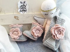 Baby boots and headband #crochetboots #mylittleangelaccessories