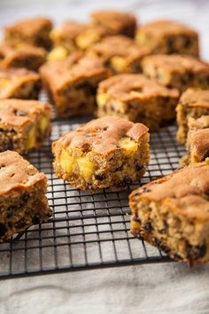 If you're not in the mood to create a full Simnel cake, this easy traybake recipe is ideal. Tray Bake Recipes, Easy Cake Recipes, Baking Recipes, Dessert Recipes, Desserts, Baking Ideas, Egg Recipes, Healthy Recipes, Traybake Cake