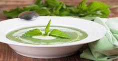 Recette de Soupe d'orties de grand-mère pour lutter contre l'anémie. Facile et rapide à réaliser, goûteuse et diététique.