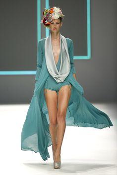 Pauline Hoarau para Celia Vela - Primavera/Verano 2016/17 - 080 Barcelona.