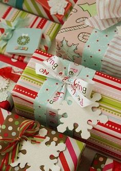 "Gift Wrapping Gift Bags Cute ""Just because"" gifts printables Gift wrapping ideas Creative Gift Wrapping, Creative Gifts, Wrapping Ideas, Wrapping Papers, Wrapping Gifts, Noel Christmas, All Things Christmas, Craft Gifts, Diy Gifts"
