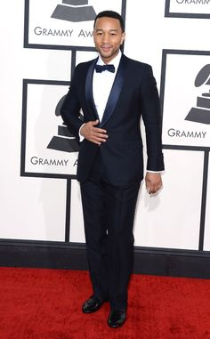 Hunky crooner John Legend looks super smooth at the Grammys in Gucci!