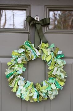 Primitive wreath http://blogs.babble.com/family-style/2011/03/14/st-patricks-day-kids-crafts-our-favorites/