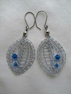 Lace Earrings, Lace Jewelry, Jewelery, Crochet Earrings, Drop Earrings, Types Of Lace, Wire Crochet, Lace Heart, Lace Making