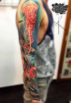 Excelente trabajo Ocean Sleeve Tattoos, Octopus Tattoo Sleeve, Unique Half Sleeve Tattoos, Ocean Tattoos, Arm Tattoo, Sea Life Tattoos, Love Tattoos, Body Art Tattoos, New Tattoos