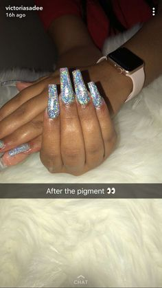 Expand fashion to your nails with nail art designs. Worn by fashion-forward celebs, these types of nail designs can add instantaneous glamour to your outfit. Dope Nails, Nails On Fleek, Fun Nails, Toe Nail Designs, Acrylic Nail Designs, Nails Design, Gorgeous Nails, Pretty Nails, Manicure Y Pedicure