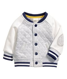 H&M sporty jacket, letter jacket, baseball jacket for kids. Fashion Kids, Baby Boy Fashion, H&m Kids, Toddler Boys, Cute Outfits For Kids, Baby Boy Outfits, Stylish Boys, Cute Baby Clothes, Kind Mode