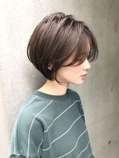 Latest Short Bob Haircuts for Women Latest Short Bob Haircuts for Women. Short bob haircuts are everlasting looks that everyone can wear based on the chop. With many fresh and modern takes Bob Haircuts For Women, Short Bob Haircuts, Short Hairstyles For Women, Straight Hairstyles, Asian Haircut Short, Korean Short Hair Bob, Korean Short Hairstyle, Short Hair Cuts, Short Hair Styles
