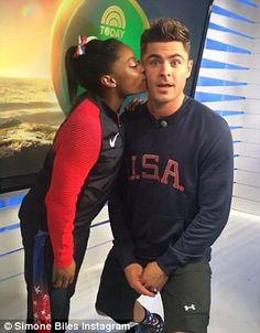 Five time Olympic medalist Simone Biles meets celebrity crush Zac Efron in Rio. Gymnastics Quotes, Olympic Gymnastics, Olympic Games, American Gymnastics, Cheerleading Quotes, Elite Gymnastics, Cheer Quotes, Gymnastics Pictures, Artistic Gymnastics