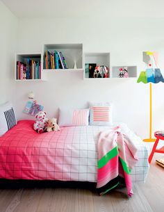the boo and the boy: eclectic kids' rooms Teen Girl Rooms, Kids Rooms, Muuto, Kid Spaces, Kids House, Kids Furniture, Kids Bedroom, Room Inspiration, Decoration