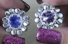 "Embed a Rivoli with new ""Pellet"" beads from Preciosa by DolciRiflessi   www.youtube.com/watch?v=G-Xw_UmmAl8"